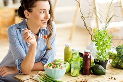 woman eating healthy meals
